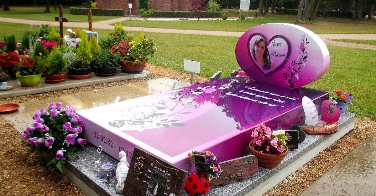 Placas memoriais para túmulos de cemitérios ganham ares modernos